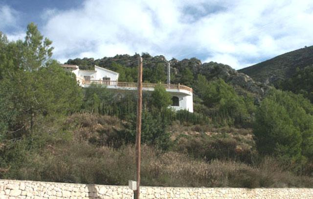 870m2 building plot not tied to a builder, Urban. LA JOYA, Benitachell 5 km to Moraira and beaches, Spain