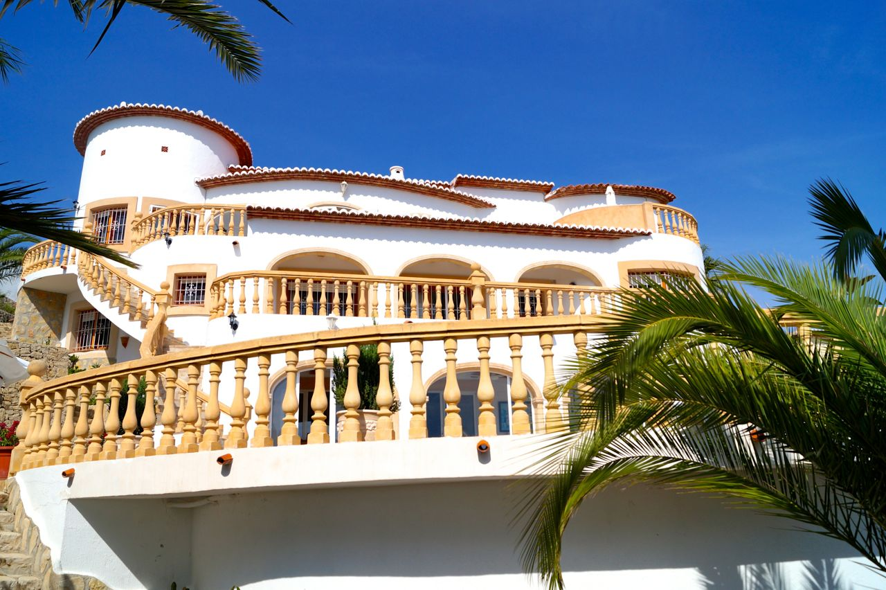 REDUCED!!! REDUCIDO!!! REDUZIERT!!!  A huge villa in very good condition situated in Benimeit, Mor,Spain