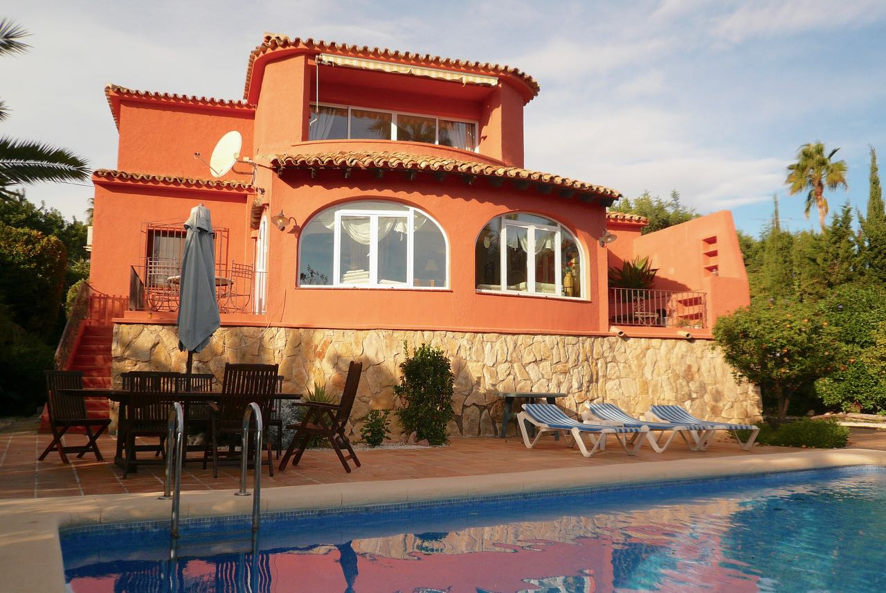 Well maintained rustic style Villa of 180 m2, located in a peaceful area of Moraira, Tabaira. The , Spain