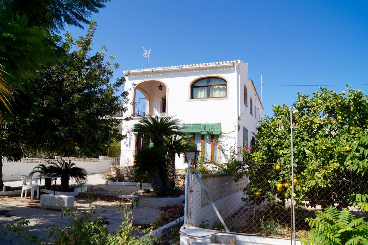 A traditional Spanish villa, just a stroll from Javea Old Town.The house is positioned o,Spain