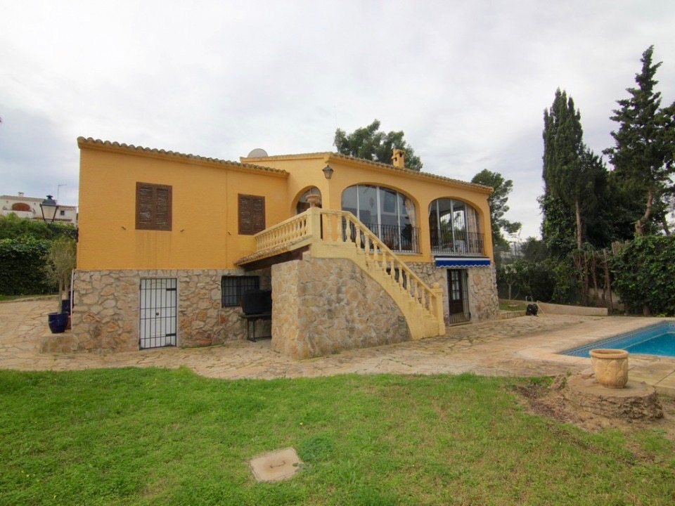 Impressive large family house located at just 5 minutes walking distance to the Arenal beaches of ,Spain
