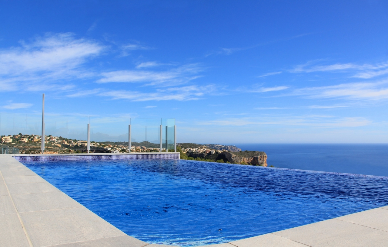 A modern villa situated in Cumbre del Sol, consisting of two floors, the property has a total buil, Spain