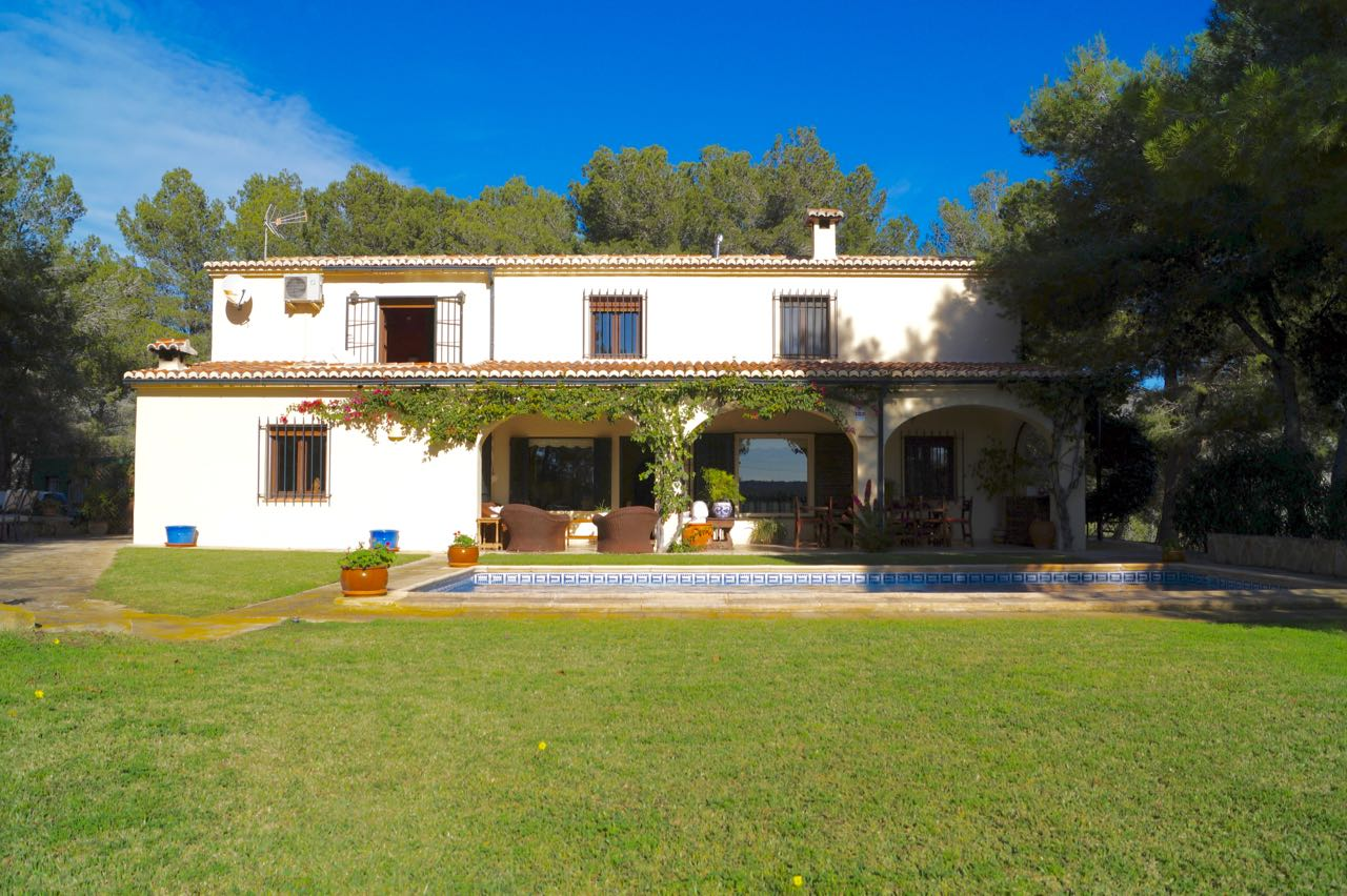 This country family home was built with exceptionally good quality materials including beautiful c, Spain