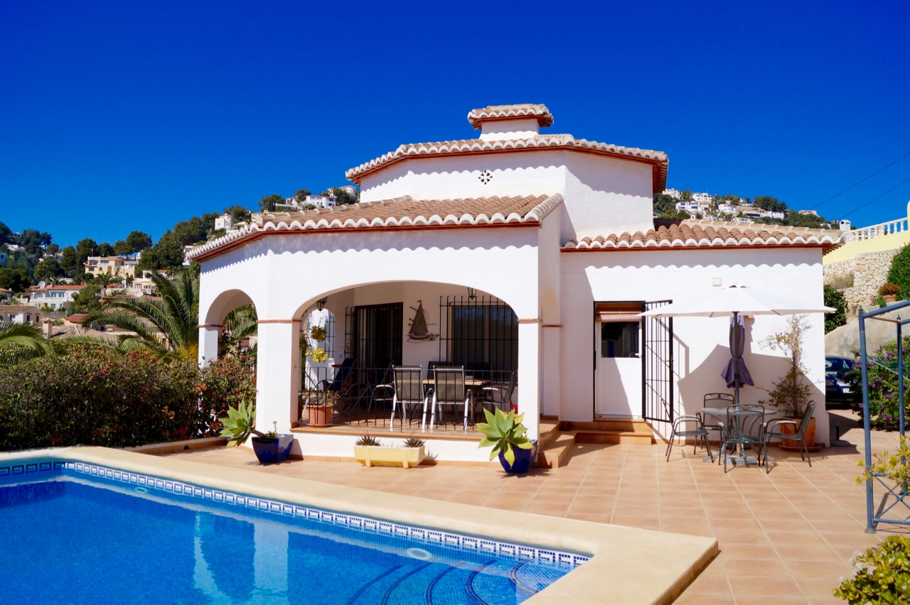 VALUE FOR MONEY QUALITY PROPERTY. Beautiful modern single storey villa with wide open views over t,Spain