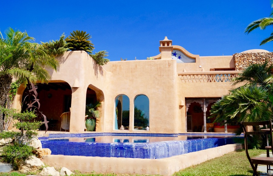 This beautiful villa in Moraira, el Portet is built in an Arabic/ Marrocan style with detailed dec,Spain