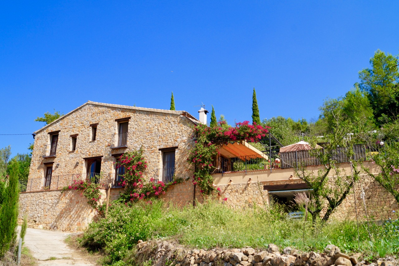 Beautiful and very romantic Finca with stunning views in the lovely village of Benidoleig! This 3 , Spain