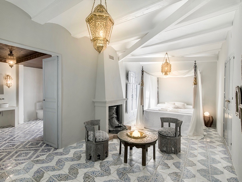 A one of a kind elegant 5 bedroom restored and renovated townhouse currently running as a fully li,Spain