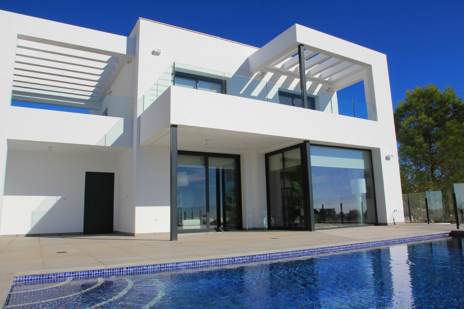 A modern and cosy new build, consisting of clean lines, with mainly functional spaces, large windo,Spain