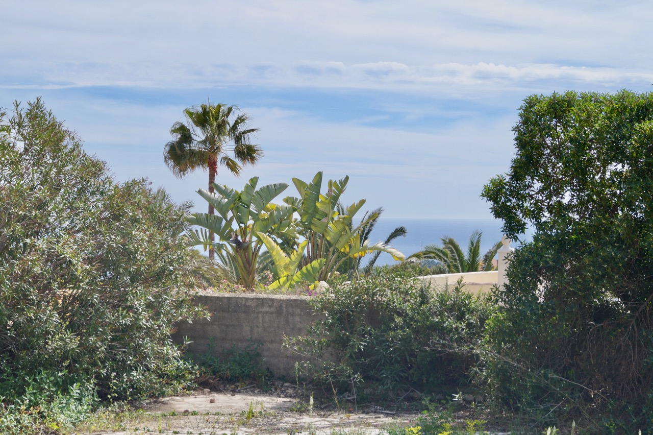 A plot of land of 920m2well situated on the border of San Jaime walking distance to the&,Spain