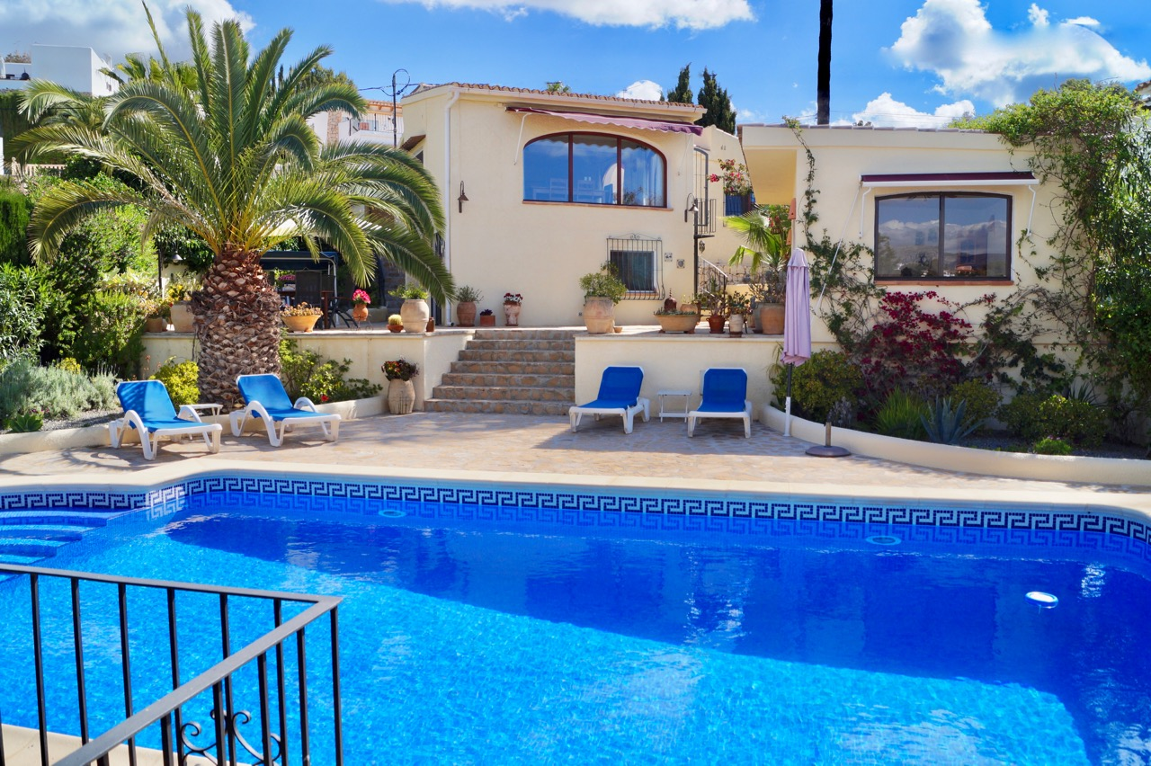 This beautiful and perfectly maintained villa is very wellsituated in the Baladrar area ,Spain
