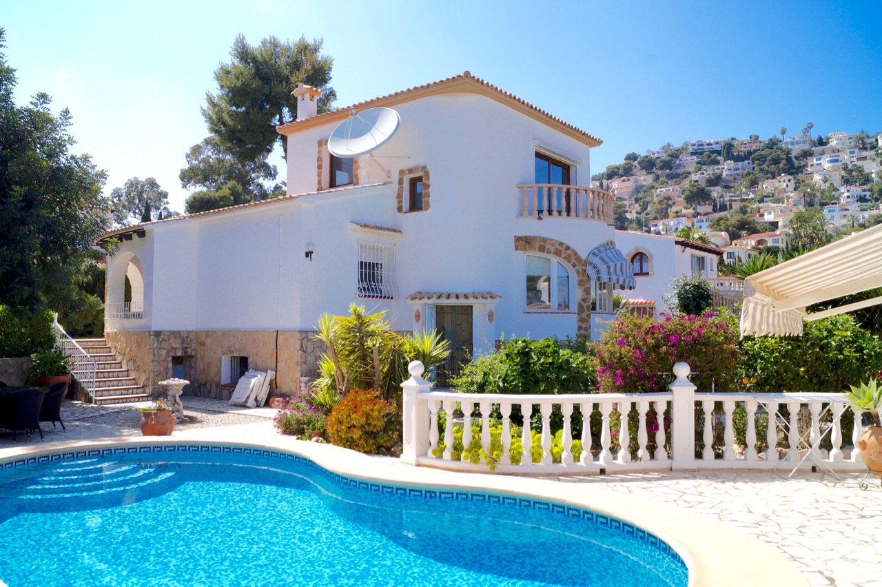 A well maintained villa with independent guest apartmentin Benissa coast, Montemar. You ,Spain