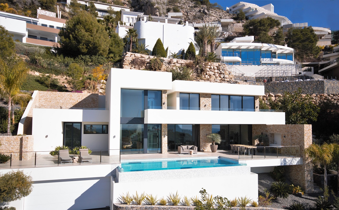 This luxury villa is one of the most spectacular key ready villas on the Costa Blanca. This brand , Spain