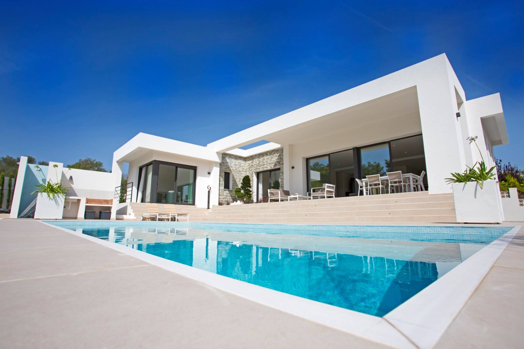 The villa of 197 m2 will be all on one level on an 814 m2 plot and will comprise a spacious living,Spain