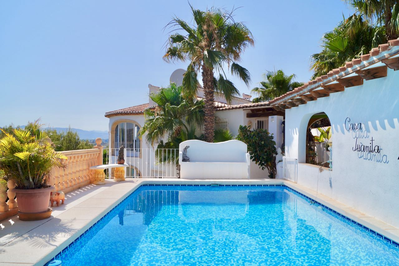 This great value for money property is situated in the sought after elegant area ofEl Ra,Spain