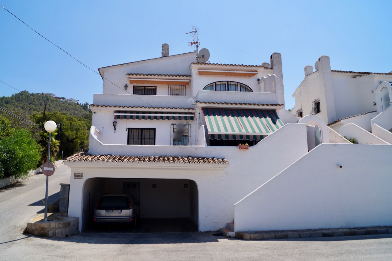 This apartment is located on the first floor and offers a good sized terrace with nice open and mo,Spain