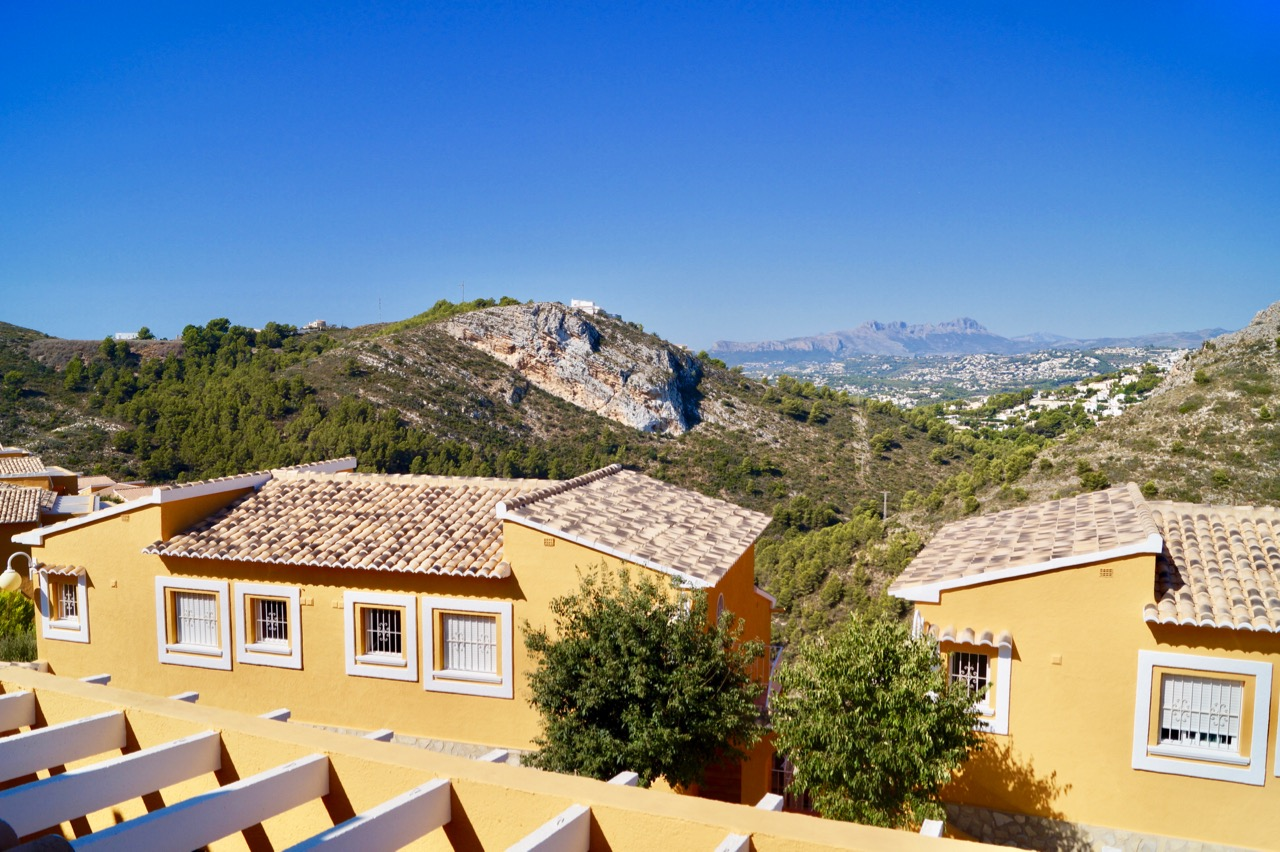 Lovely maintained and bright top apartment in Pueblo Montecala, Cumbre del Sol, Benitachell with w, Spain