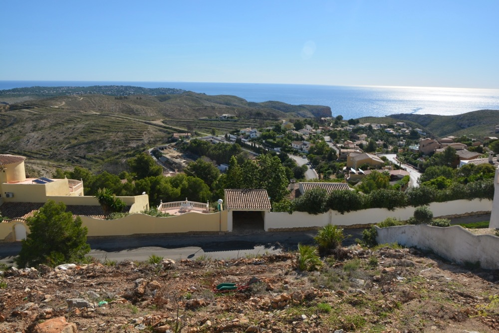 This Plot has fabulous sea and mountain views. With a total of 732m2 it has the geotechnical studi, Spain