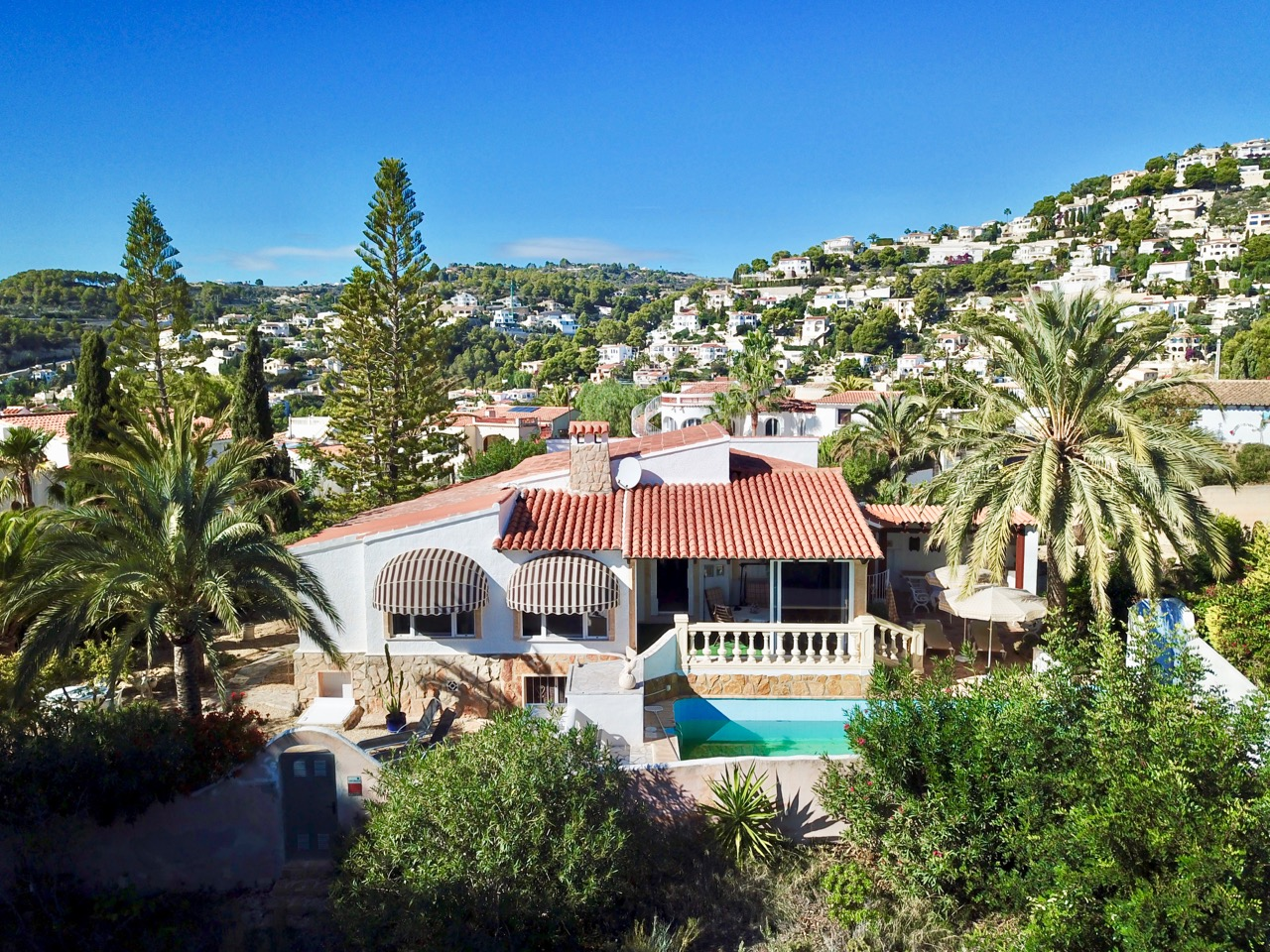 This single level villa islocated on the lower part of Benissa, Montemar.     The proper,Spain