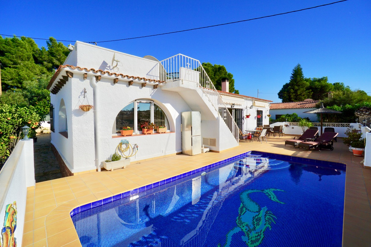 Villa for sale in Benissa, La Fustera situated at only 950 meters from the La Fustera Beach on a q, Spain