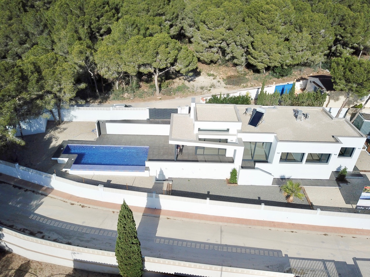 A sleek modern design villa under constructionwell situated just 1km to la Fustera beach,Spain